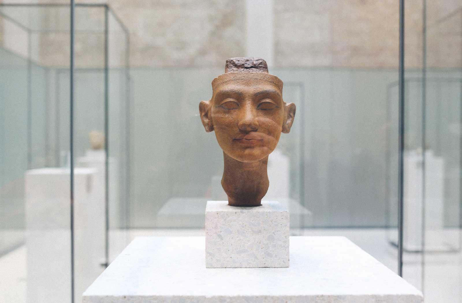 ruthvansoom-berlin-neuesmuseum-nefertiti-8